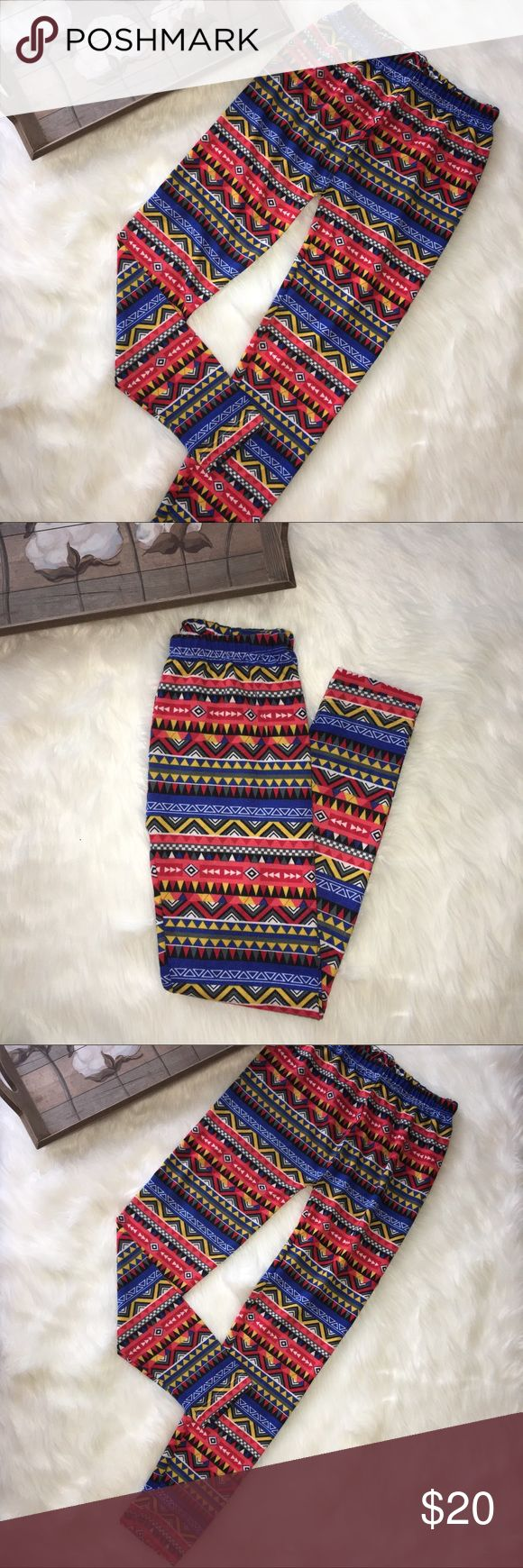 Tribal Aztec Geometric Print Leggings Super chic and stylish tribal Aztec Geometric print leggings in excellent condition. One size. Fit like a small/medium. Brand new with tags from my boutique line. Cotton Jangle Boutique Pants Leggings