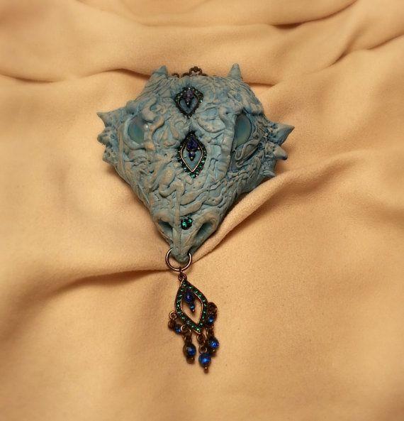 Dragon head hair piece in blue shades