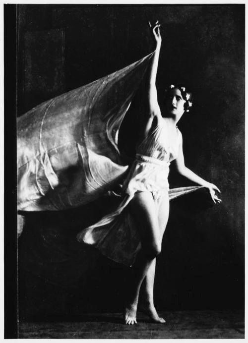 Isadora Duncan: Mother of Modern Dance