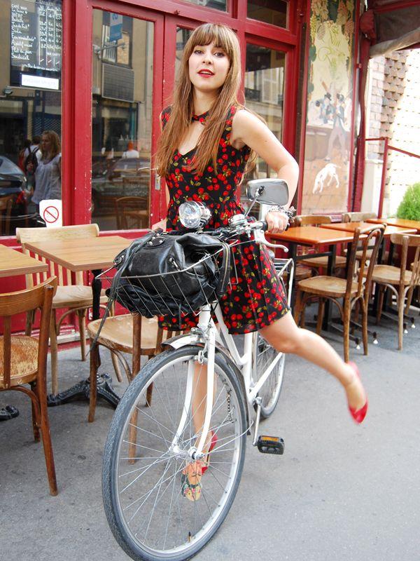 Red dress age 8 bikes