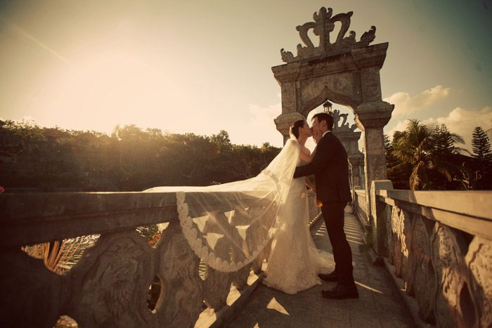 Bali pre-wedding photos. Dennis Yap Photography. www.theweddingnotebook.com