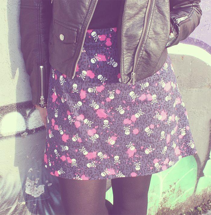 Estética Rock: falda handmade con estampado de calaveras