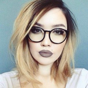 I love this look. These are the glasses I want too!