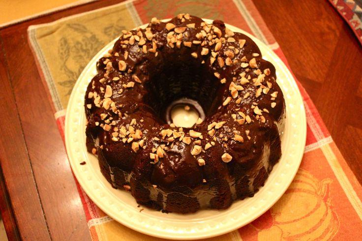 Μια εύκολη, γρήγορη, δροσερή και πεντανόστιμη σοκολατόπιτα. Μια συνταγή για μια σοκολατόπιτα έτοιμη για το ψυγείο σε 20-25 λεπτά, που θα λατρέψουν τα παιδι