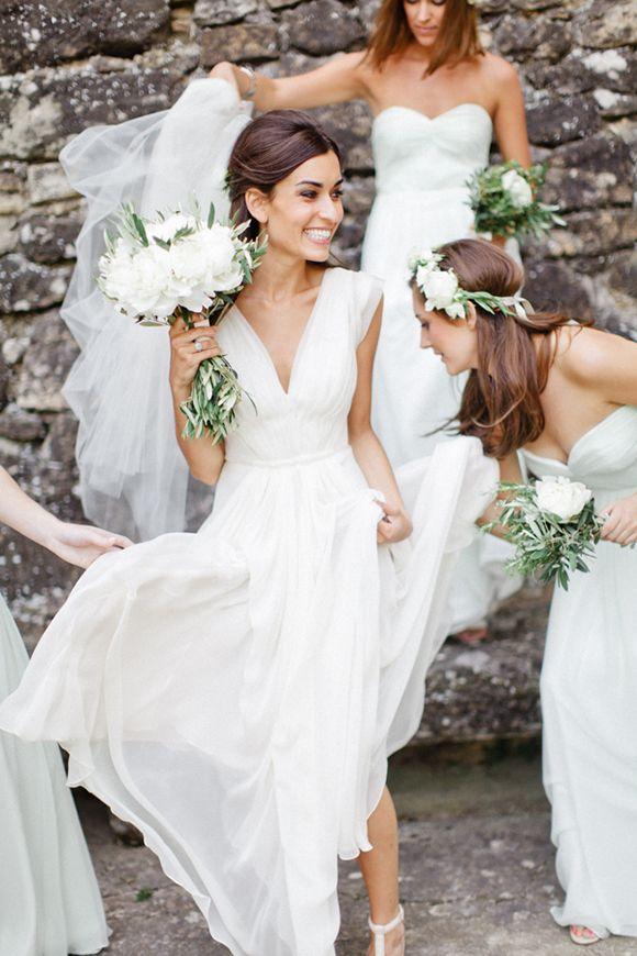 #white bridesmaids | Xavier Navarro
