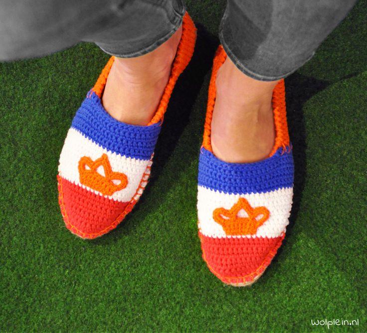 Koningsdag espadrilles haken! Gratis haakpatroon - Wolplein.nl #koningsdag #haken #espadrilles