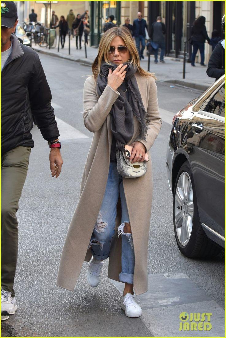 1000 Ideas About Jennifer Aniston Photos On Pinterest Jennifer Aniston Style Jennifer Black
