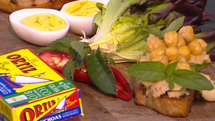 Hummus med ristede kikærter og chili   Mad