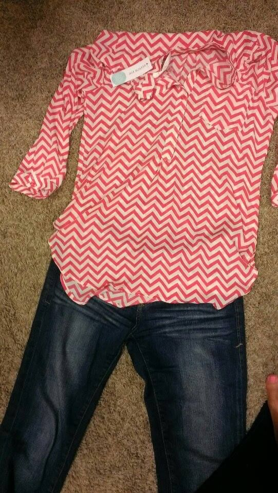This chevron top looks cute! Would love it in a mint or turquoise color also.