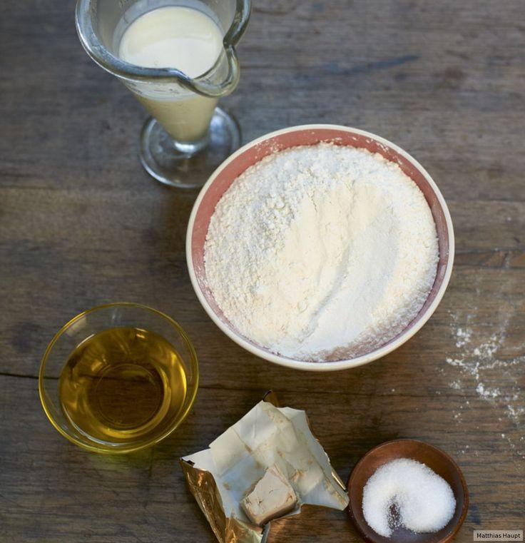 Rezept für Flammkuchenteig (Grundrezept) bei Essen und Trinken. Und weitere Rezepte in den Kategorien Getreide, Milch + Milchprodukte, Hauptspeise, Pikante Kuchen / Pizza, Deutsch (regional), Französisch, Einfach, Gut vorzubereiten, Vegetarisch.