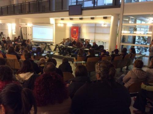 Lazio: #Fiumicino #consegnati i #premi ai 41 studenti vincitori del Concorso Progetto Memoria Storica (link: http://www.tuttosulinux.com/cerca-prodotto/newsitem/315773/Lazio-Fiumicino-consegnati-i-premi-ai-41-studenti-vincitori-del-Concorso-Progetto-Memoria-Storica.html )