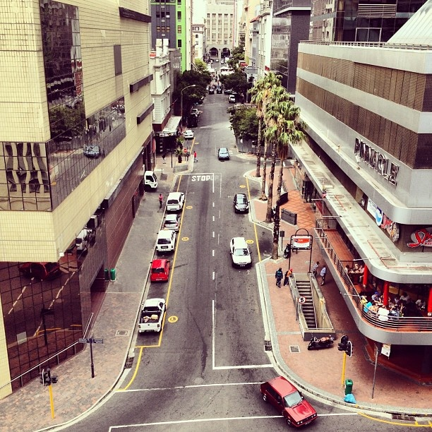 Time to shop. (Cape Town, CBD)