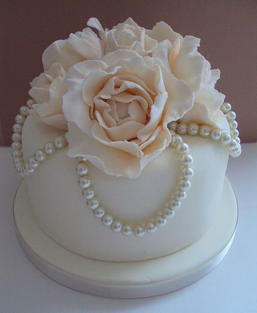 Vintage Pearl Wedding Top Tier Cake