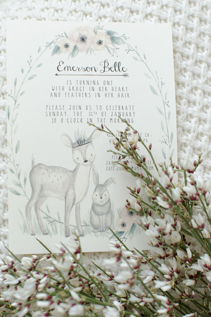 Custom invitations by Girls Friday Studio! Photography: Feather + Light - www.featherandlight.com/ Read More: http://www.stylemepretty.com/living/2015/03/02/woodland-animal-themed-1st-birthday-party/