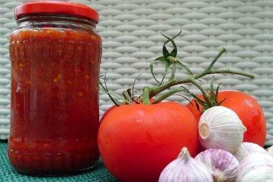 Cesnakovo-paradajková zmes bez konzervovania