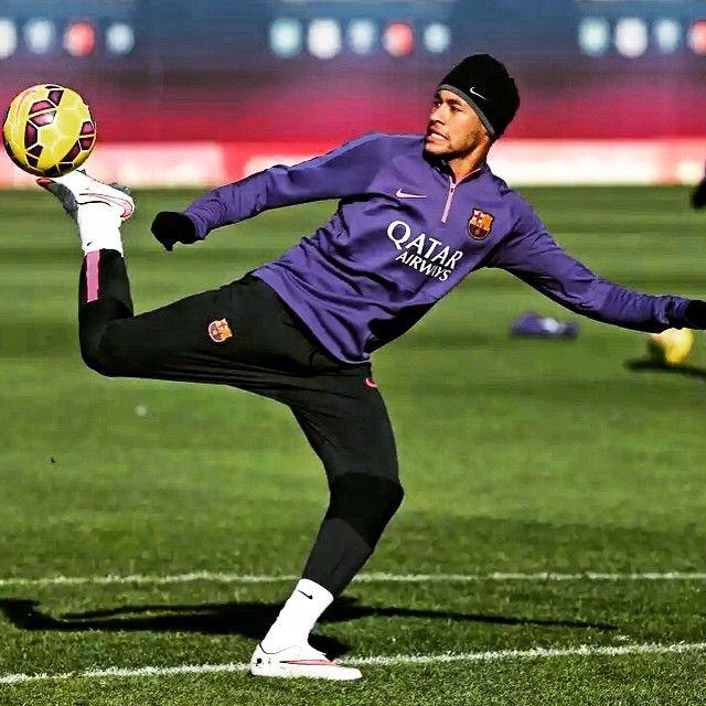 Neymar skills - January 17th, 2015 // http://instagram.com/p/x-WlRUiohM/?modal=true