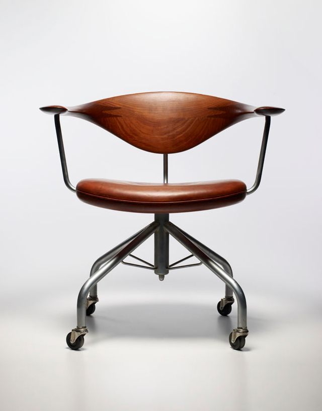 HANS J. WEGNER, task chair model nr.50, made by Johannes Hansen, Denmark. / Design Curial