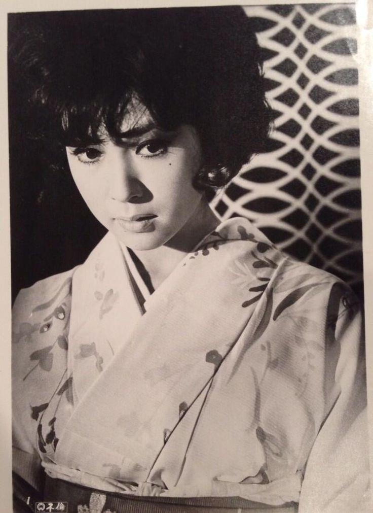 Wakao Ayako 若尾文子 in Furin 不倫 (Affair) - Director : Tanaka Shigeo 田中重雄 - Daiei 大映 - Japan - 1965Source