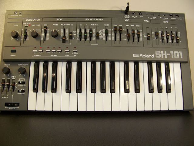 MATRIXSYNTH: Roland SH-101 Synthesizer SN 375207
