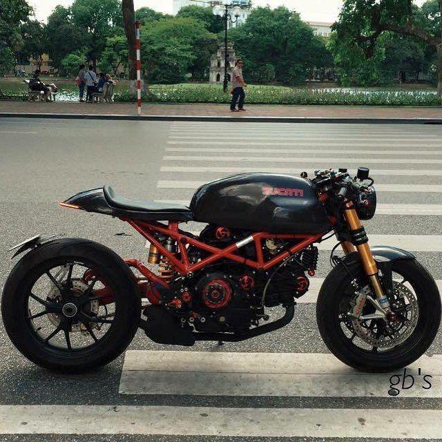 @caferacergram  by CAFE RACER www.facebook.com/caferacers #caferacergram #caferacer #caferacers | Nguyễn Nam's Ducati Monster 1000 Cafe Racer