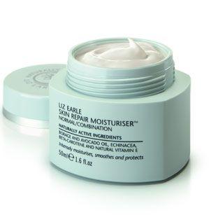 Liz Earle Skin Repair Moisturiser | really recommend the Liz Earle moisturiser, cleanser, skin 'tonic' and face mask! Definitely an essential kit for me!