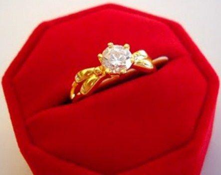 contoh cincin tunangan terkadang sangat dibutuhkan untuk mendapatkan cincin tunangan yang terbaik, membeli secara online atau offline bukan masalah
