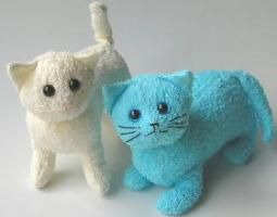 Recycle your OLD towels to make these terry cats.  They are adorable for kids and easy to wash. (make sure you use washable stuffing)
