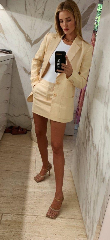 Pin by Martina on MisStyle | Mini skirts, Fashion, Skirts