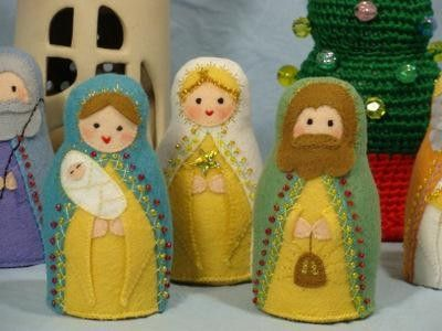 felt Nativity figures, very pretty.  jozef.jpg (400×300)
