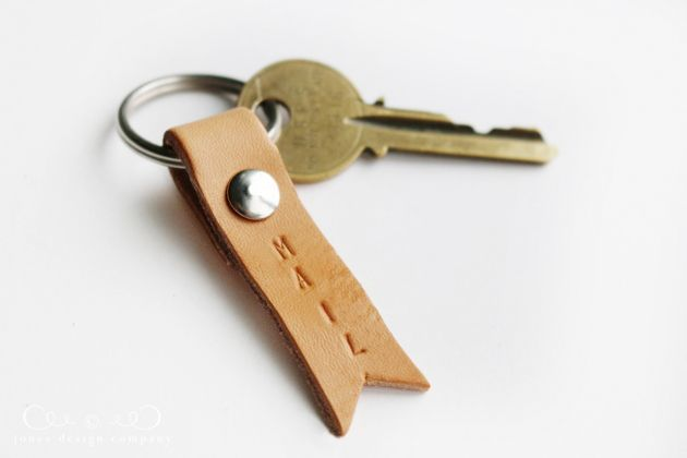 diy stamped leather keychain / jones design company