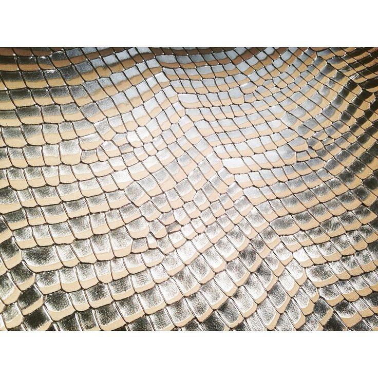 #natural #tanned #leather #V1 #Shimal #Metallic #printed #silver #natural