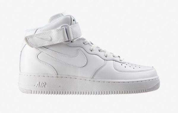 Nike Air Force 1 Mi-montante - 30 baskets homme pour le printemps via @GQ Magazine #fashion #shoes