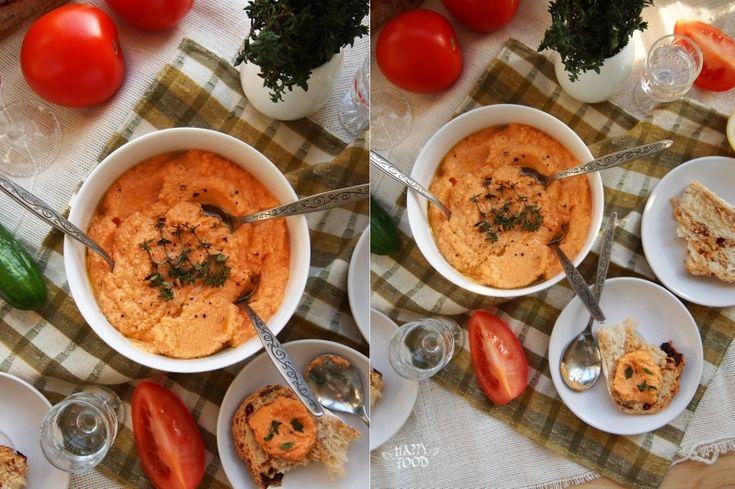 Этот прекрасный соус я могу есть просто так - ложкой)) Но от также прекрасен и с отварными/запечеными/свежими овощами, хлебом или если сделать более жидкую…