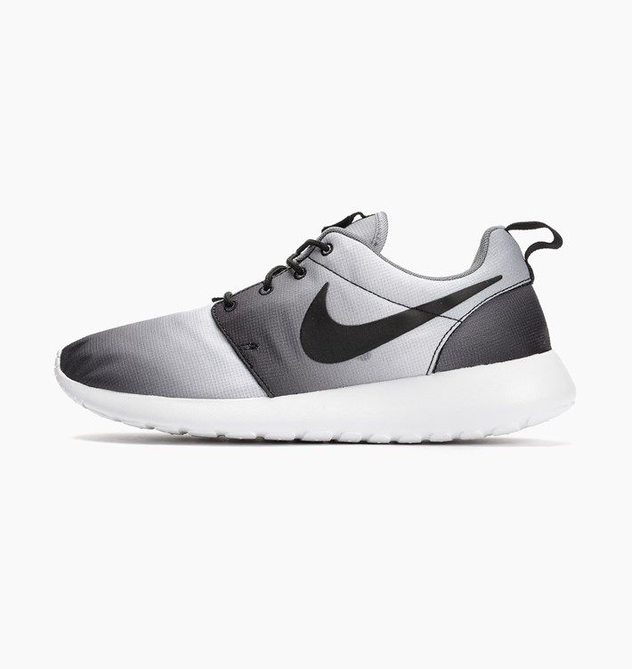 Buy Nike Roshe One Print at Caliroots. Article number: Streetwear &  sneakers since