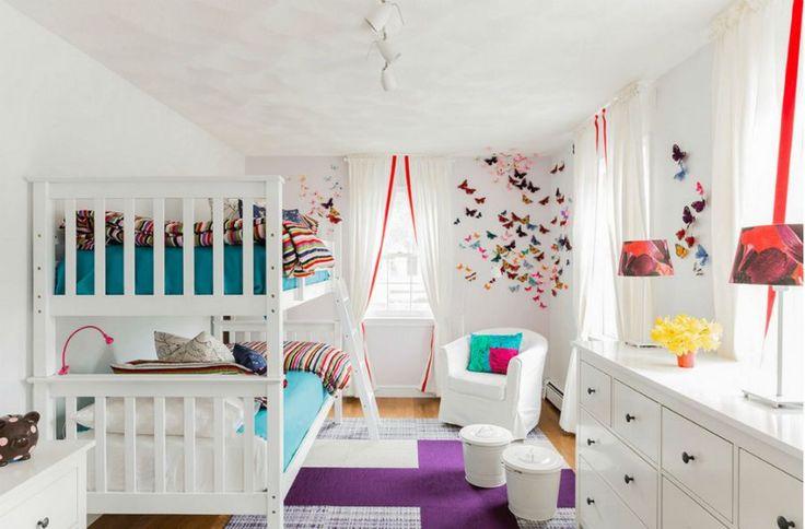 Украсете белите стени със стикери, апликации, временна декорация. Правете промени според сезоните и нагласите на децата.