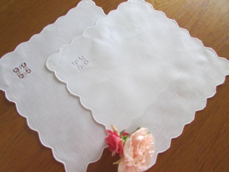 Two White Drawn Work Linen Napkins - White Napkins - High Tea - Vintage Wedding Napkins - Wedding Favors by MomsGiftShoppe on Etsy