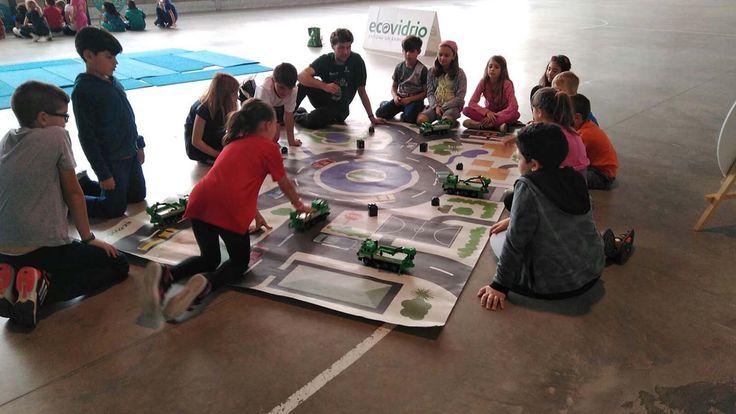 Los alumnos de tercero recibieron una clase de forma de juego con Ecovidrio.