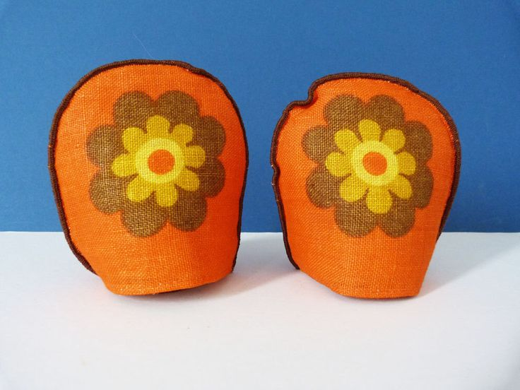 Vintage scandinavian Egg warmers by planetutopia on Etsy https://www.etsy.com/listing/194789873/vintage-scandinavian-egg-warmers
