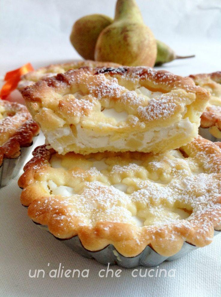 le mini crostatine alla ricotta e pere sono delle deliziose crostate monodose fatte di friabile frolla e una delicata farcitura,ottime come dessert dopo pranzo