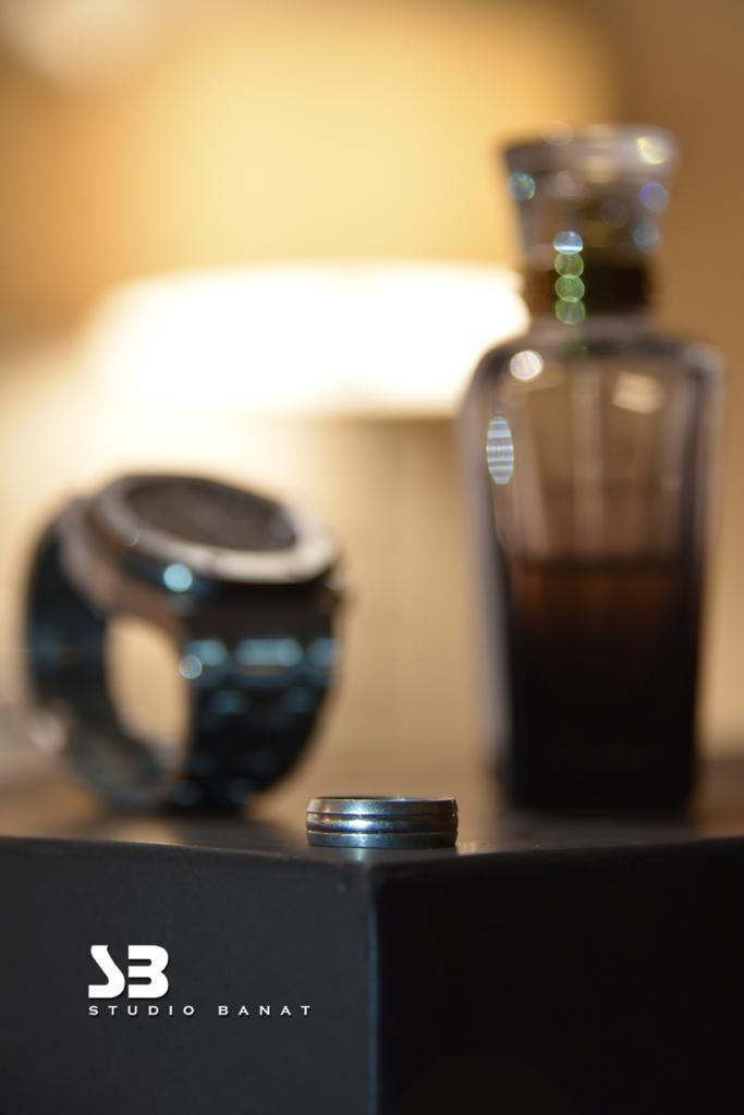 العطور الساعة الخاتم من التفاصيل المهمة في توثيق تصوير العرسان Photo And Video Instagram Photo Instagram