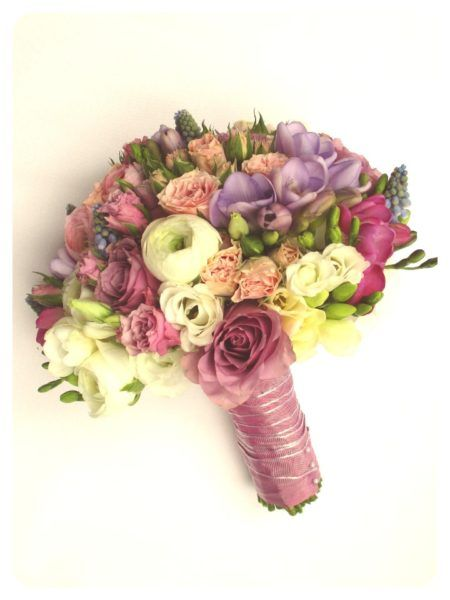 Menyasszonyi csokor rózsaszín-lila-fehér színben