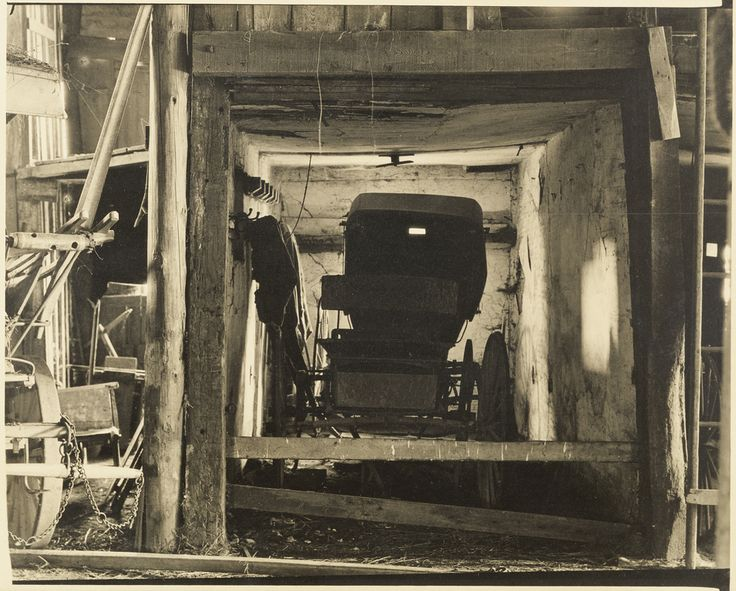 The Buggy, Pennsylvania (1917). Charles Sheeler