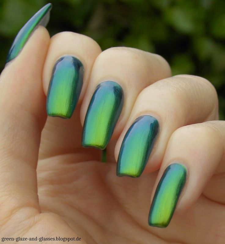 Green, Glaze & Glasses: I Love Nail Polish - Reminisce
