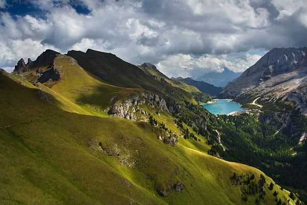 Stunning landscapes of Czech Republic, Croatia, Germany, and Greece.