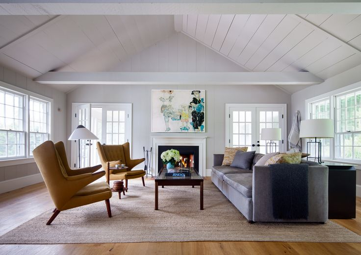 Best 25 modern colonial ideas on pinterest colonial for Center hall colonial living room ideas