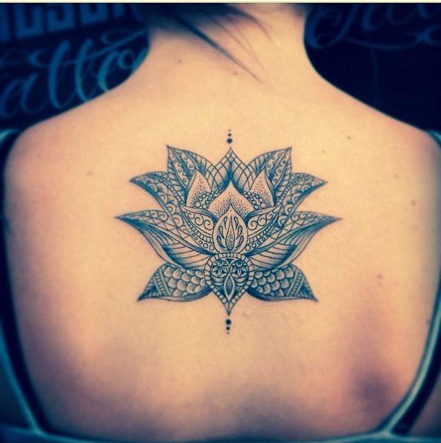 Flor de Loto - Tatuajes para Mujeres. Encuentra esta muchas ideas mas de Tattoos. Miles de imágenes y fotos día a día. Seguinos en Facebook.com/TatuajesParaMujeres!
