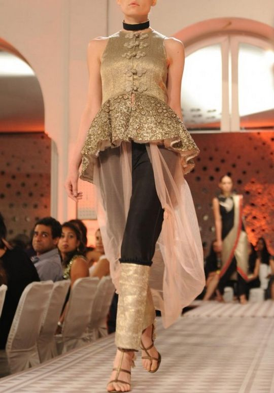 Anamika Khanna Delhi Couture Week 2012. Obsessed, absolutely obsessed!
