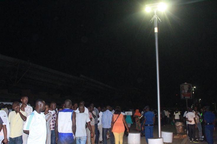 Des #Lampadaires Solaires illuminent #Bujumbura au #Burundi #ÉnergieSolaire