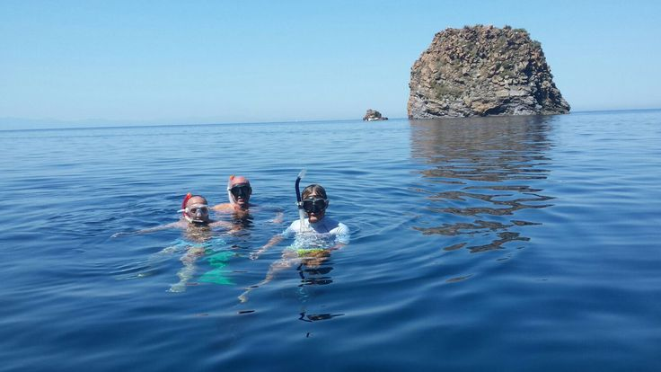 Snorkeling in un mare incredibilmente trasparente ph Vale Papa #AeolienIsland #Messina  #summerinsicily #yummysicily