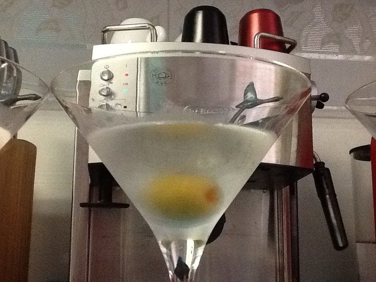 Extra dry martini cocktail.